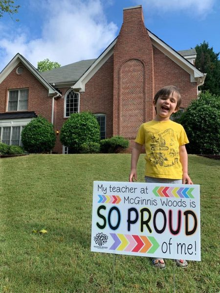 Alpharetta Private School Delivers Lawn Signs for end of year